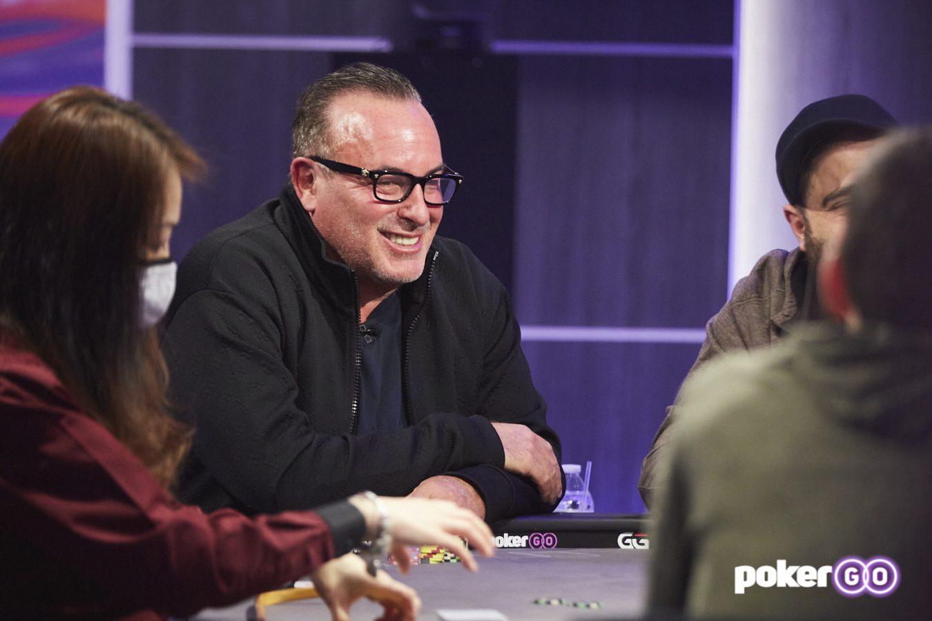 Poker After Dark S12/E9: Dan Shak Mulai Panas; Paus Meletakkan Full House