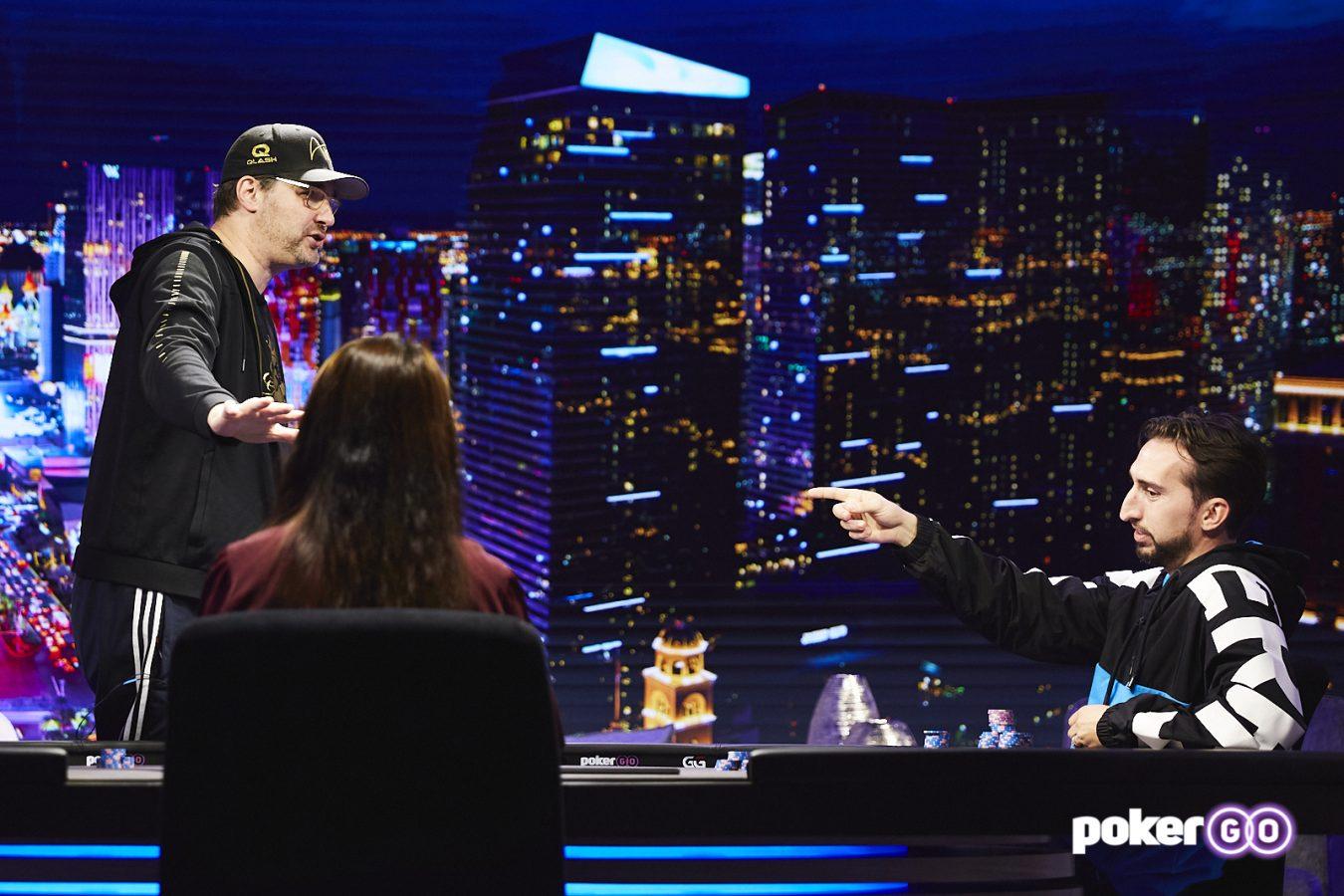 """Cari Tahu Bagaimana Nick Wright Meninggalkan Phil Hellmuth """"Merebus"""" di Poker Terbaru Setelah Gelap"""