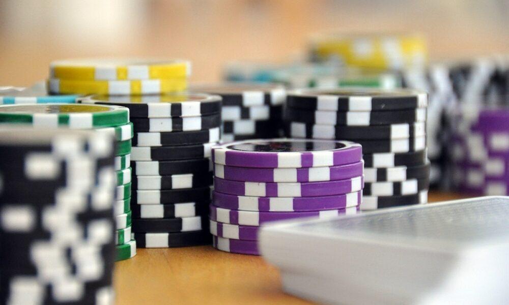 Tether, USDC - Apakah analogi 'keripik poker' Gensler untuk stablecoin benar-benar salah?